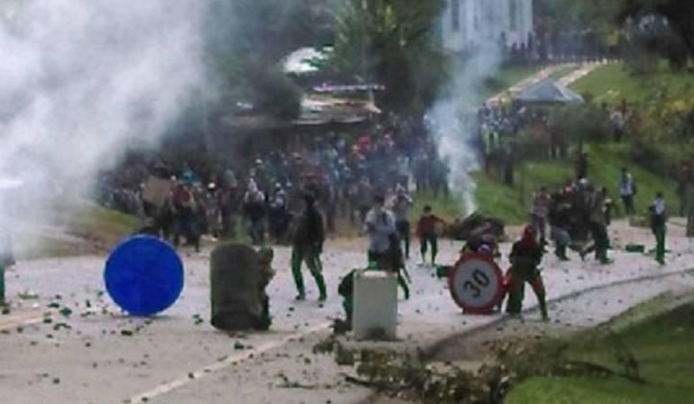 Enfrentamientos entre policías e indigenas en Cauca y Buenaventura: [Video] Así se viven las protestas indígenas en el Cauca