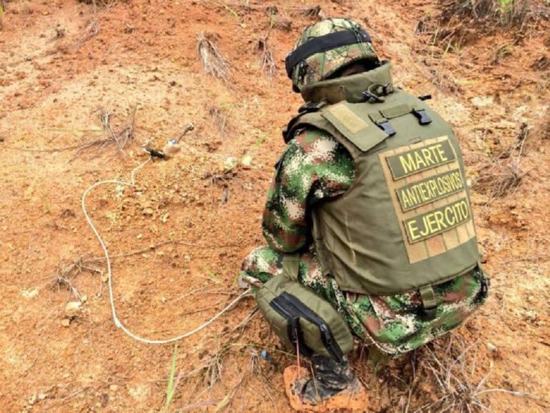 Un muerto y un herido por campo minado en Tumaco: Un soldado muerto y otro herido, al pisar un campo minado en Tumaco