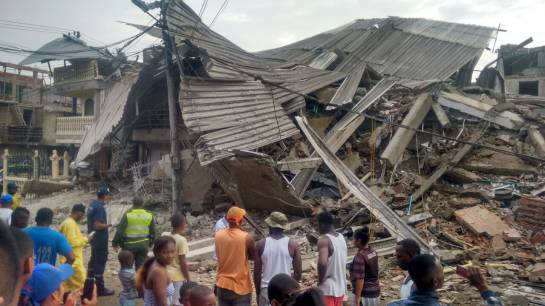 VIDEOS: Tres heridos tras desplome de edificio en Buenaventura