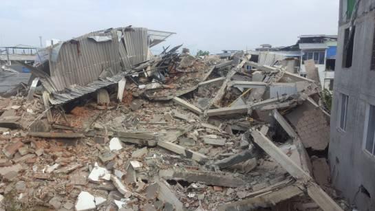 Tres heridos tras desplome de edificio en Buenaventura — VIDEOS