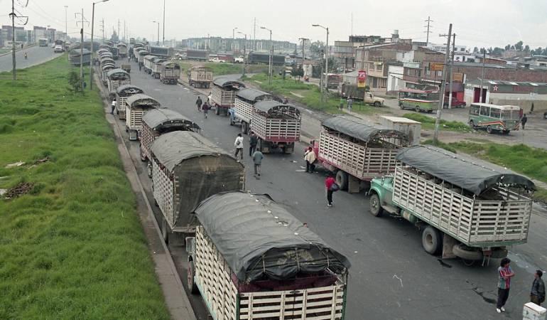 Pico y placa vehículos de carga y buses intermunicipales: Vehículos de carga y buses intermunicipales tendrían pico y placa ambiental en Bogotá