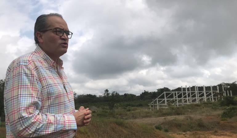 Foto: Fernando Carrillo, visitando fallidas obras de Ibagué/Procuraduría General de la Nación-Cortesía