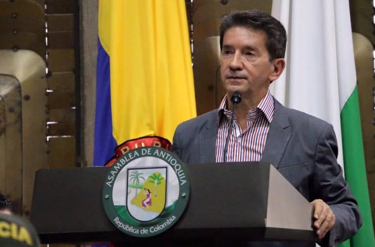 """NO, PUEDO, PEDIR, RENUNCIA, CONTRALOR. GOBERNADOR, ANTIOQUIA: """"No puedo pedir renuncia del contralor de Antioquia"""": Luis Pérez"""