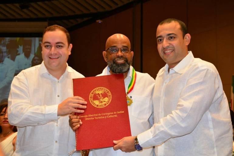 Concejo de Cartagena condecora 17 personajes durante día de la Independencia: Concejo de Cartagena condecora 17 personajes durante día de la Independencia