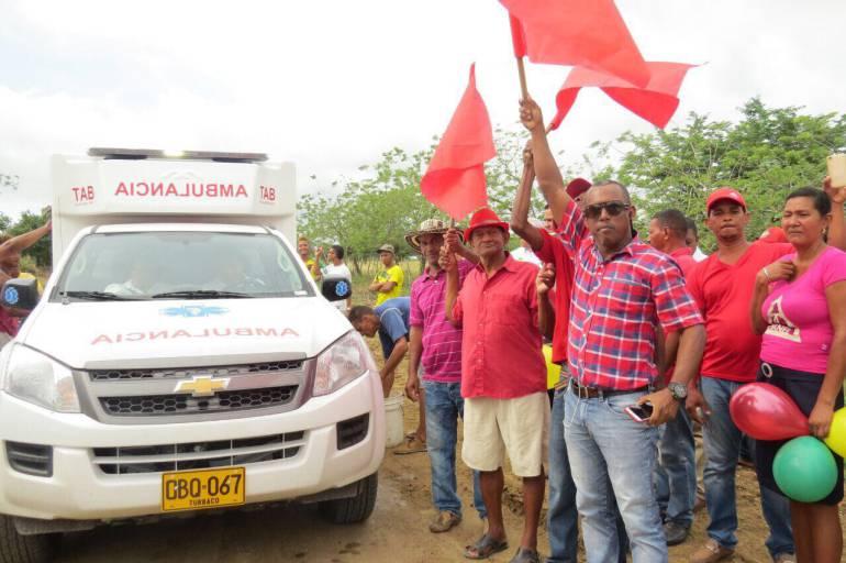 Entregan ambulancia terrestre en Las Piedras, Bolívar