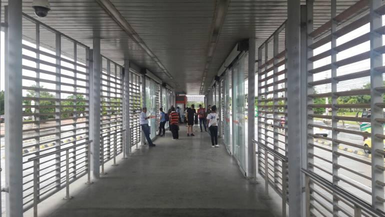 Iniciaron labores de aseo y lavado de estaciones de Transcaribe en Cartagena