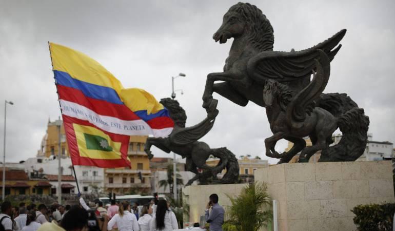 Gobernador de Bolívar entregó monumento de Los Pegasos