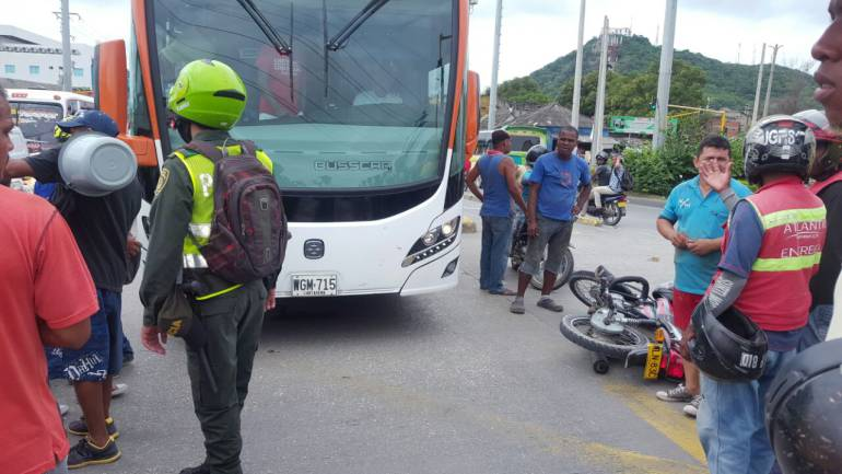 Imprudencia sigue causando accidentes en el carril Solo Bus de Transcaribe