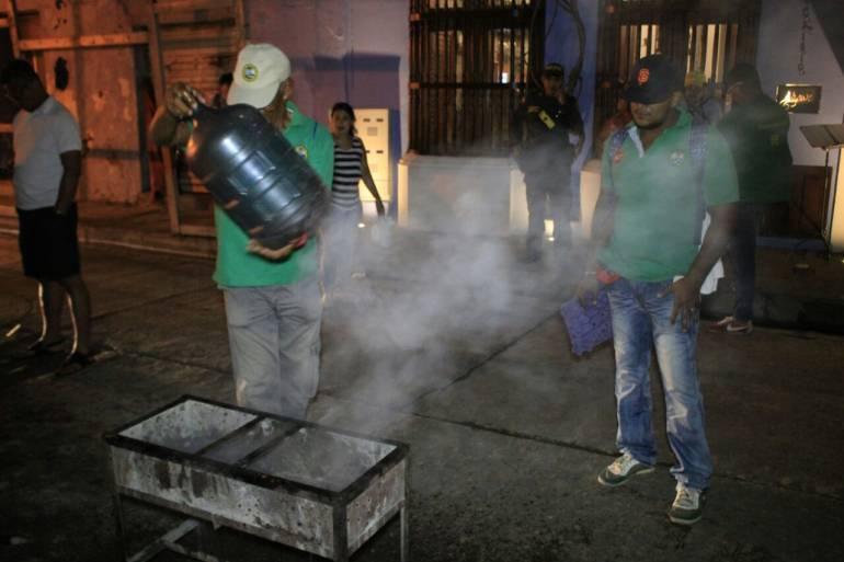 Alcaldía y Policía de Cartagena controlan la preparación de comidas en el espacio público: Alcaldía y Policía de Cartagena controlan la preparación de comidas en el espacio público