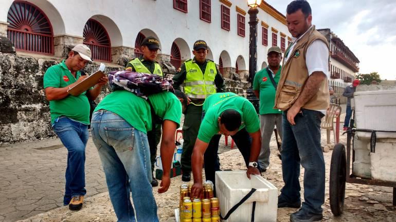 Intensifican control a expendio de licor en el espacio público en Cartagena: Intensifican control a expendio de licor en el espacio público en Cartagena