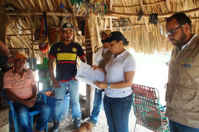 Familias de El Carmen de Bolívar, víctimas de las Farc, recuperaron sus parcelas: Familias de El Carmen de Bolívar, víctimas de las Farc, recuperaron sus parcelas
