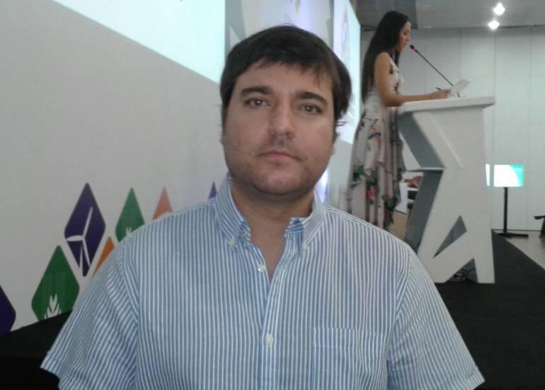 Jaime Pumarejo, ex-ministro de Vivienda, indicó que se acerca la aplicación del decreto que define esquema de operación de actividad de aprovechamiento de residuos sólidos.