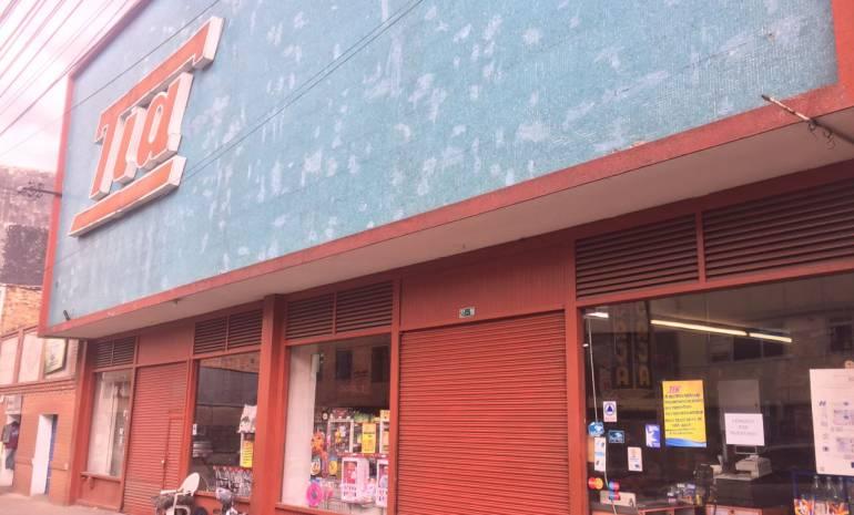 Los afectados por cierre del tia: Más de 500 trabajadores quedarán sin trabajo por cierre de Almacenes Tía