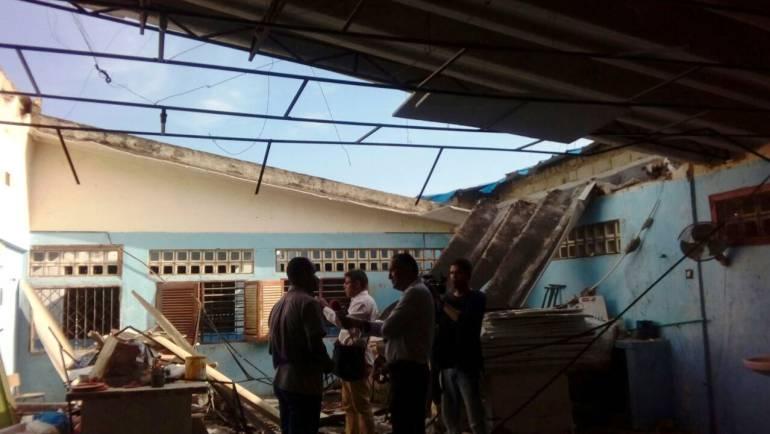 Se declaran en paro estudiantes del colegio que se le desplomó techo en Cartagena: Se declaran en paro estudiantes del colegio que se le desplomó techo en Cartagena