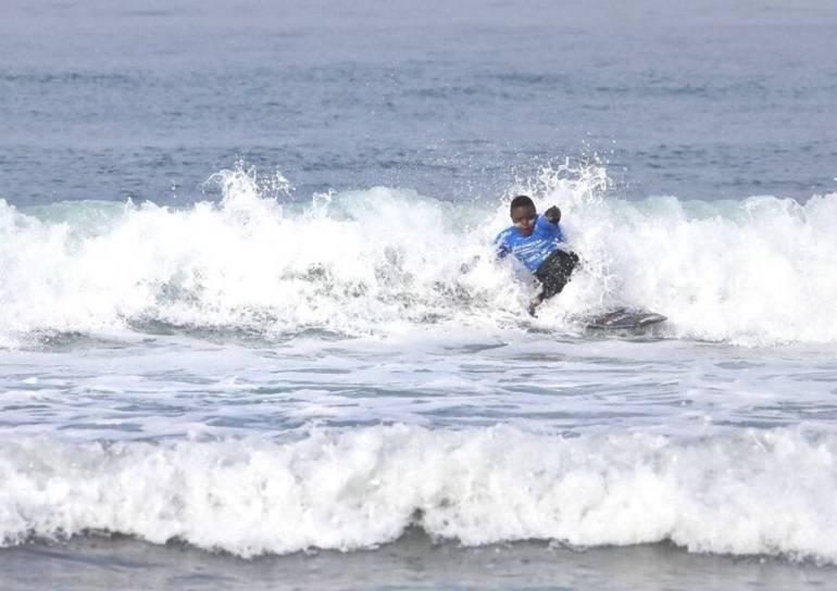 Niño cartagenero gana medalla de bronce en Mundial de Surf Adaptado: Niño cartagenero gana medalla de bronce en Mundial de Surf Adaptado