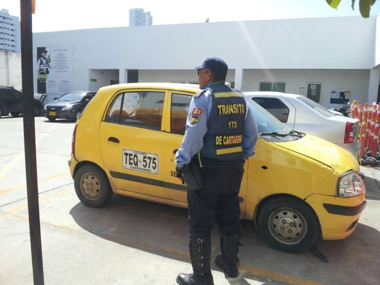 Taxistas de Cartagena protestan por cámara de fotomulta