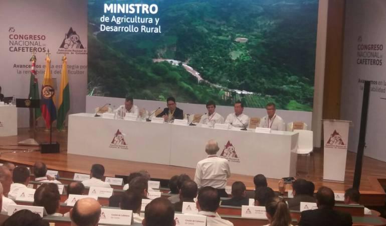 Ministro de Agricultura en la clausura del Congreso Nacional Cafetero