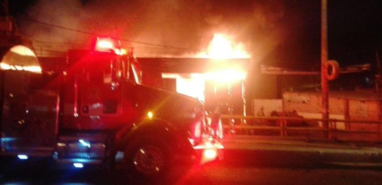 incendio en Bosá: Emergencia por incendio en fábrica de colchones en el sur de Bogotá