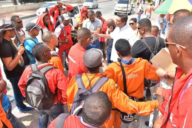 Trámite ante la Defensa Civil en Bogotá tiene atrasado el pago de los salvavidas de Cartagena: Trámite ante la Defensa Civil en Bogotá tiene atrasado el pago de los salvavidas de Cartagena