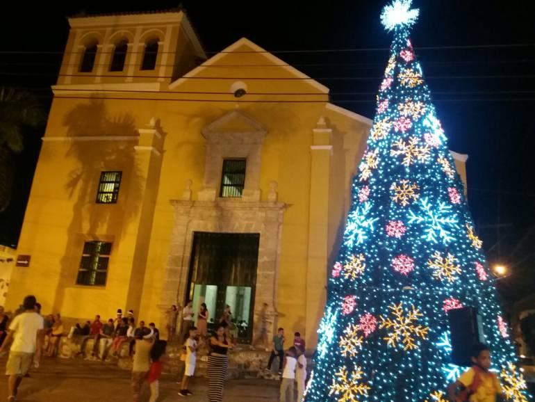 La decoración navideña de Cartagena tiene luces led que ahorran energía: La decoración navideña de Cartagena tiene luces led que ahorran energía