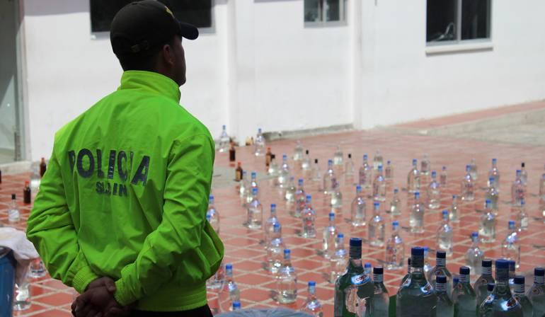 Incautan 4.000 botellas de licor adulterado en el centro de Bogotá