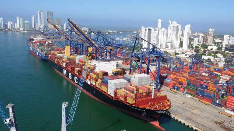 Gigante de más de doce mil TEU llegó a Sociedad Portuaria de Cartagena: Gigante de más de 12.000 TEU llegó a Sociedad Portuaria de Cartagena