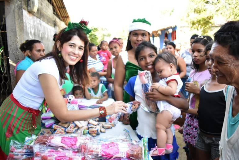 Alcaldía de Magangué entregó más de diez mil regalos a niños de los corregimientos: Alcaldía de Magangué entregó más de diez mil regalos a niños de los corregimientos