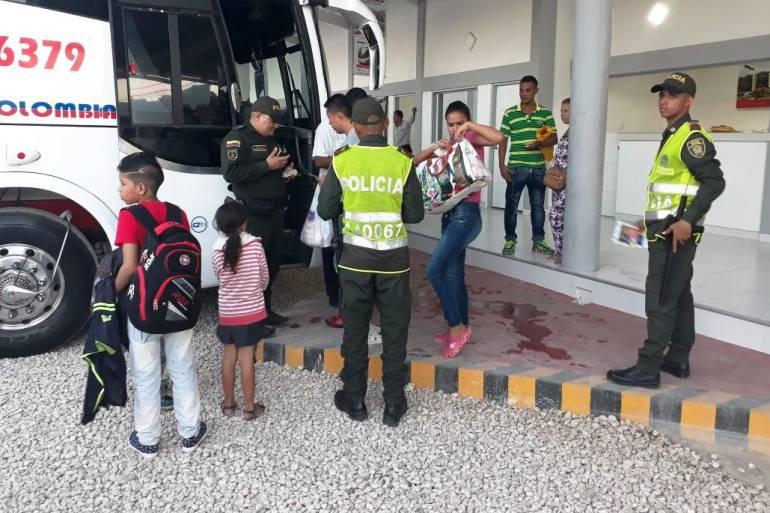1.250 efectivos de la Policía Nacional garantizan la seguridad en carreteras de Bolívar: 1.250 efectivos de la Policía Nacional garantizan la seguridad en carreteras de Bolívar