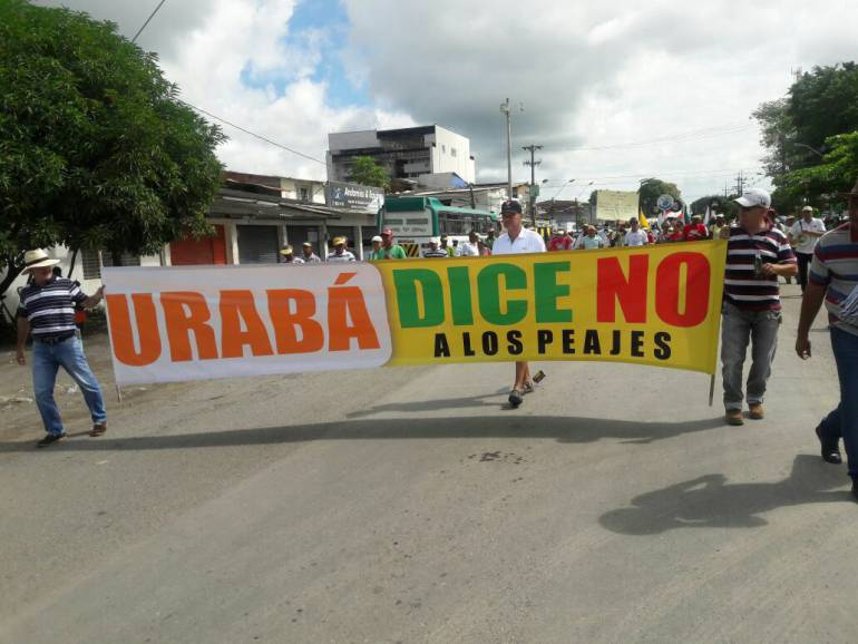 Comerciantes y transportadores protestan por cobro de peajes en Urabá