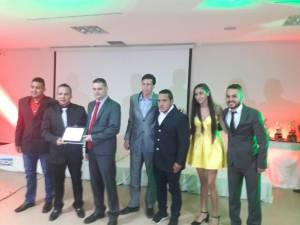 Reconocimiento a los equipos femenino y masculino de Caciques del Quindío, campeón y subcampeón de los torneos nacionales
