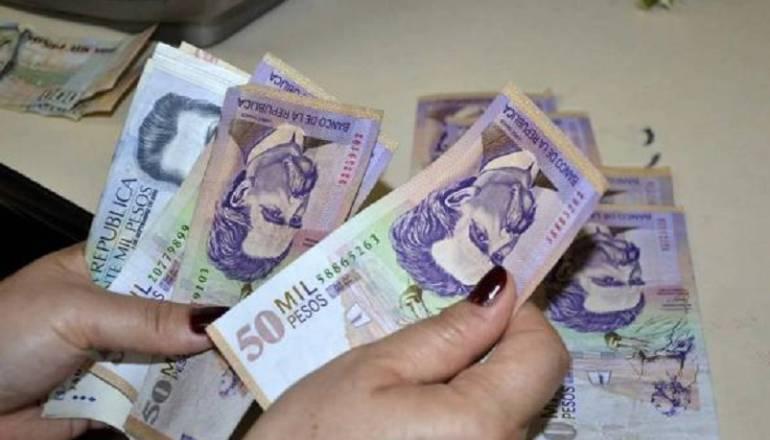 Salarios trabajadores.: Salario mínimo de trabajadores consignados en bancos no se pueden embargar