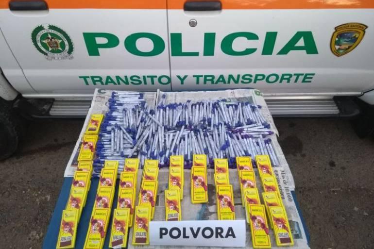 Incautan pólvora en la Vía al Mar cerca a Cartagena: Incautan pólvora en la Vía al Mar cerca a Cartagena