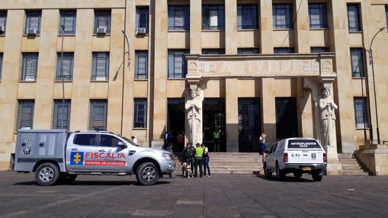 EVACUAN DE EMERGENCIA EL PALACIO DE JUSTICIA DE BUCARAMANGA AMENAZA DE BOMBA: Evacuaron de emergencia el Palacio de Justicia