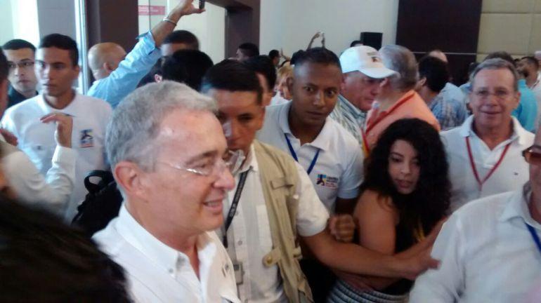 Candidato de Uribe y Pastrana en las elecciones: Uribe y Pastrana definen mecanismo para escoger candidato presidencial