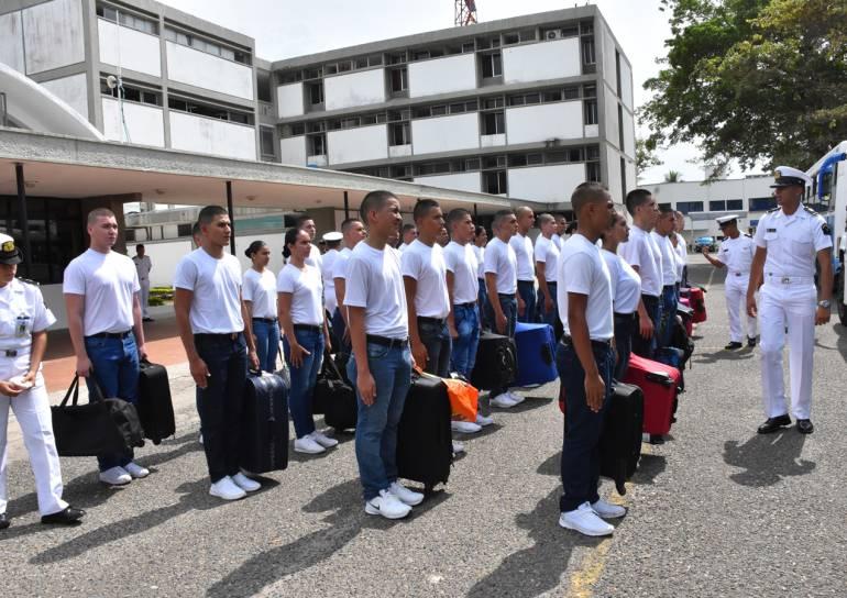 """Futuros oficiales ingresan a la Escuela Naval de Cadetes """"Almirante Padilla"""": Futuros oficiales ingresan a la Escuela Naval de Cadetes """"Almirante Padilla"""""""