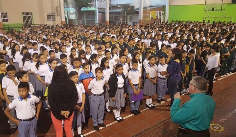 Estudiantes de la I.E. Nacional de Comercio.