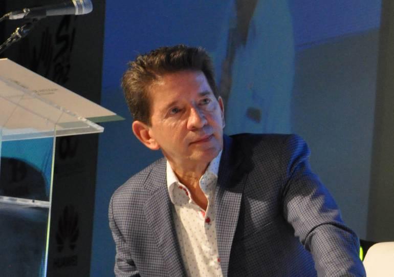 Luis Pérez califica de