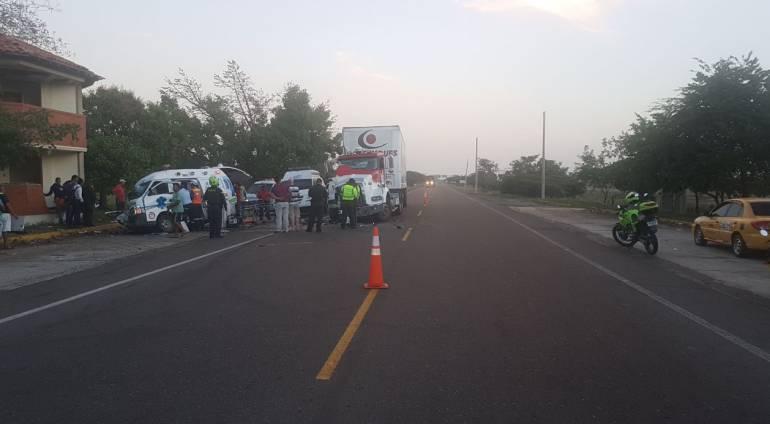 Ambulancia se accidenta y deja dos personas muertas y dos heridos