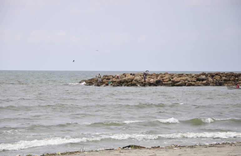 Alerta roja por fuerte oleaje en playas del Caribe