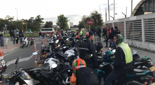 Protesta motociclistas Bogotá: Violentos enfrentamientos en protesta de motociclistas en Bogotá