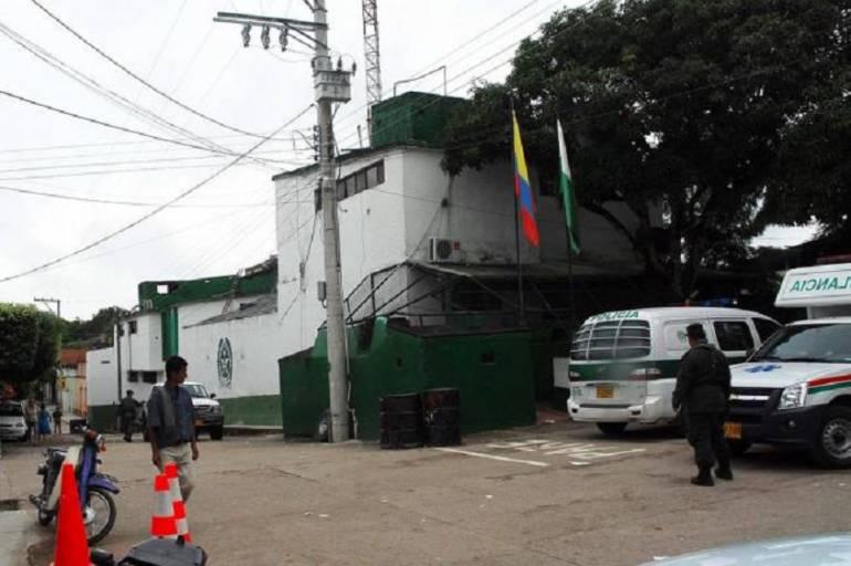 Atentado con bomba deja dos policías muertos — Colombia