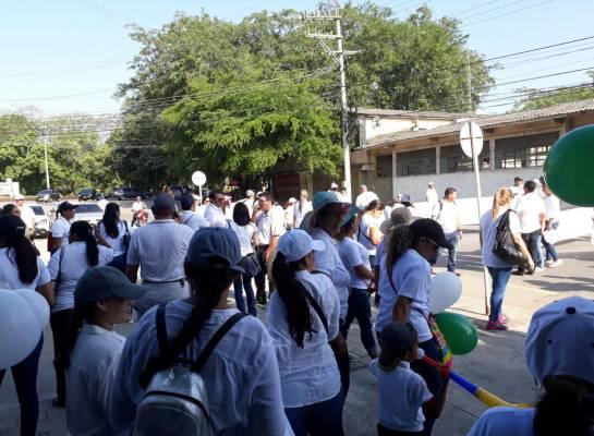 Protestas por educación en Montería: Padres de familia protestan en Montería por la educación de sus hijos