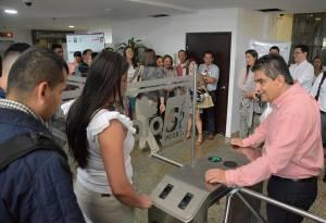 El sistema de huella utilizado para acceder a la gobernación tuvo un costo de 233 millones de pesos