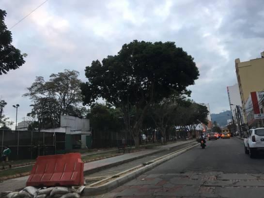 CICLORRUTA BUCARAMANGA CRÍTICAS OBRAS: Video: Aún no se reanudan las obras de la primera ciclorruta