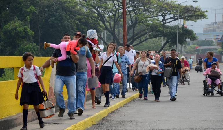 Venezuela un estado fallido ? - Página 15 1517600837_726748_1517601118_noticia_normal