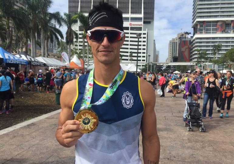 Oficial de la Armada Nacional corrió maratón de Miami: Oficial de la Armada Nacional corrió maratón de Miami