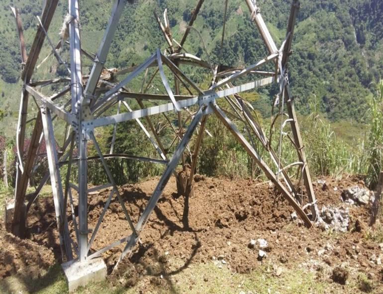 TORRES TARAZÁ: Delincuentes intentaron derribar 3 torres de energía en Tarazá, Antioquia