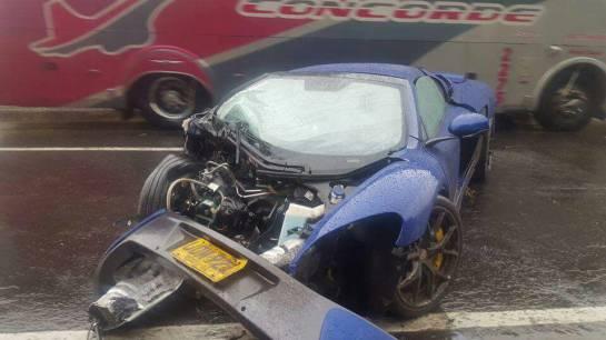 ¿Qué pasó en el accidente de autos de alta gama en la vía Bogotá-Tunja?: Investigan choque de autos lujosos que dejó 4 heridos en vía Bogotá-Tunja