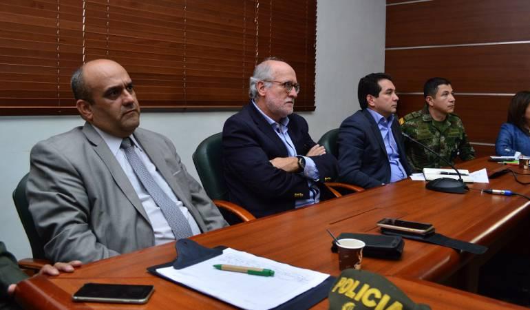 Reunión con el viceministro de Minas sobre minería ilegal en Caldas