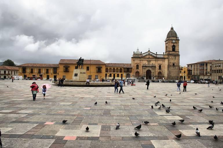 Polémica: Tunja tendrá baños públicos en plena Plaza de Bolívar: Polémica: Tunja tendrá baños públicos en plena Plaza de Bolívar